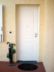 Porte blindate in toscana installazione e vendita a pistoia for Stili di porta d ingresso per case di ranch